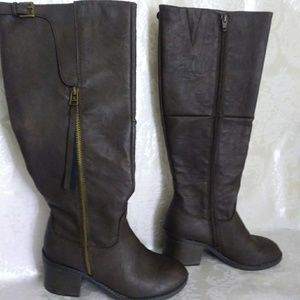 Womens brown boots size 6